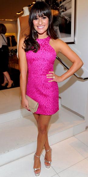 Lea Michele con un favoloso minidress fucsia di Michael Kors, bellissima!