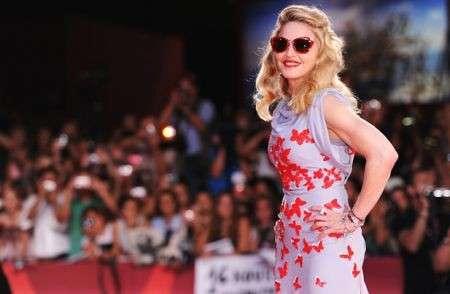 Il look retrò-chic di Madonna alla Mostra del Cinema di Venezia