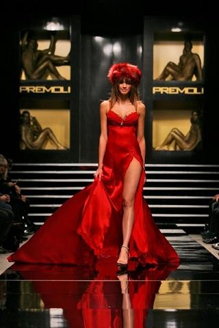 Le misure a cui corrisponde la taglia 42 da donna e l'abbigliamento più fashion da indossare