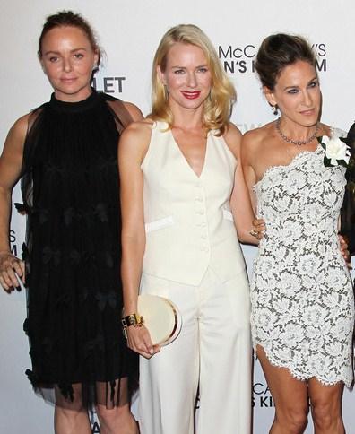 La passione delle celebrity per il bianco di Stella McCartney, ecco l'ultimo look di Naomi Watts