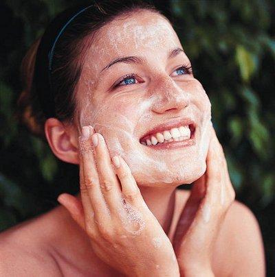 Tutti i segreti per avere una pelle liscia e idratata