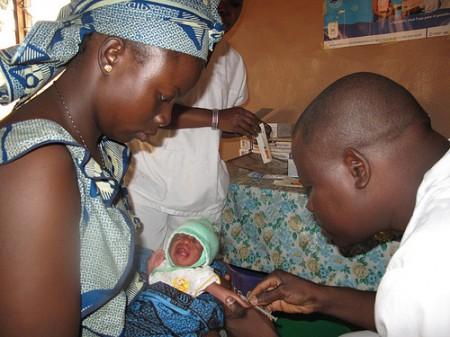 I pro ed i contro del vaccino per la tubercolosi BCG