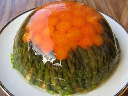 La ricetta light della ciambella di verdure in gelatina