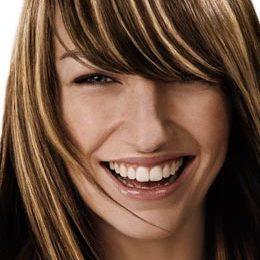 Illumina i tuoi capelli con i colpi di sole biondi, i consigli per non sbagliare