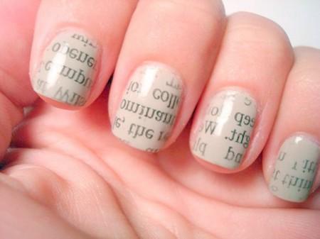 Ecco per voi una delle decorazioni unghie più particolari e d'effetto per chi ama…leggere!