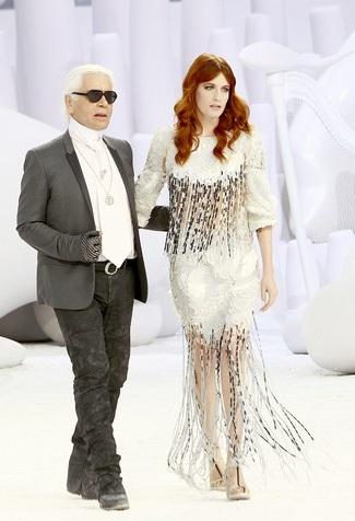 """Karl Lagerfeld contro il made in Italy: """"La moda italiana? Che volgarità!"""""""