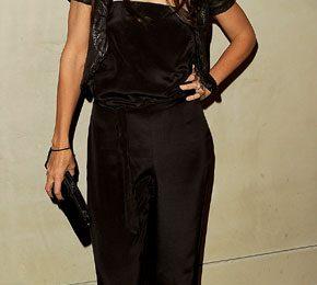 Katie Holmes ama essere chic, questa volta con un jumpsuit Giorgio Armani