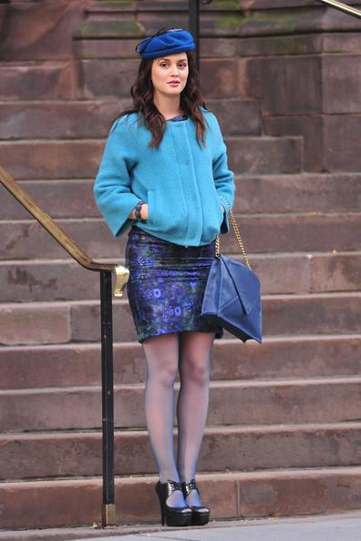 Leighton Meester sul set di Gossip Girl veste Diane von Furstenberg e Stuart Weitzman