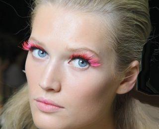 Direttamente dalle sfilate parigine un make up occhi stravagante!