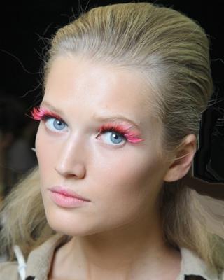 make up occhi ciglia rosa