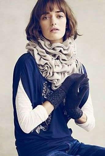 Sciarpa di lana con rouches