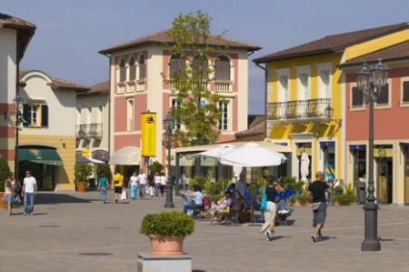 Shopping low cost, tutti gli outlet più glamour e visitati d'Italia