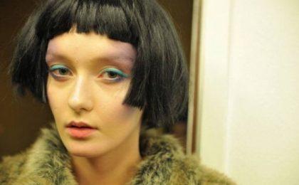Uno dei tagli per capelli più cool? Ecco il caschetto che gioca con le simmetrie!