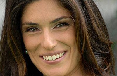 Anche la bellissima Anna Valle vittima della colite. Tutta colpa dello stress…