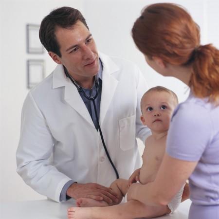 """Nel primo anno di vita i bambini devono fare i """"bilanci di salute"""", vediamo di cosa si tratta"""