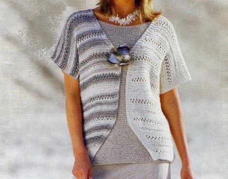 Lavori a maglia per creare una canotta color canapa