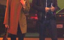 Emma Stone con cappotto Max Mara e borsa Lanvin