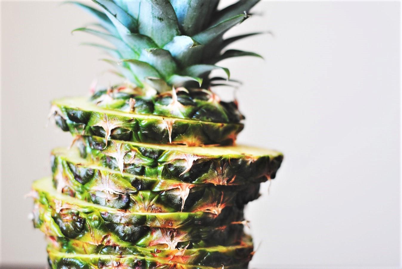 cibi brucia grassi, ananas