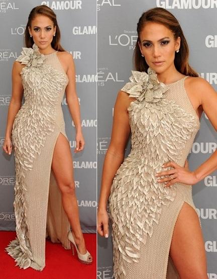 Jennifer Lopez in Atelier Versace ritira il premio di donna dell'anno