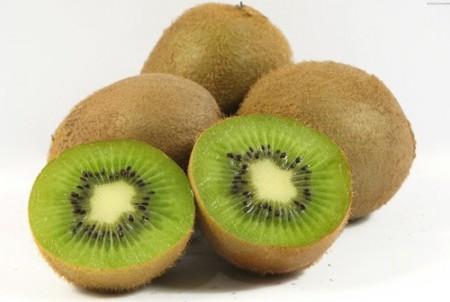 La dieta contro l'ipertensione deve prevedere 3 kiwi al giorno