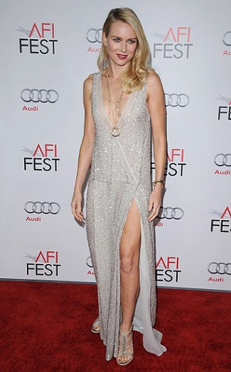 Naomi Watts indossa un abito Stella Mc Cartney