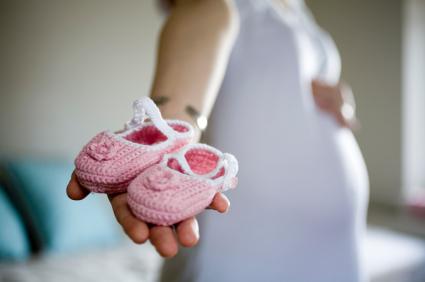 Lavori a maglia: come fare le scarpine per i neonati