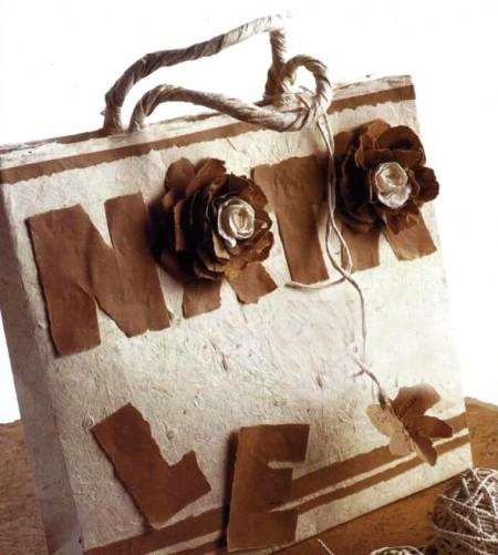 Lavoretti di Natale per creare una busta regalo stravagante