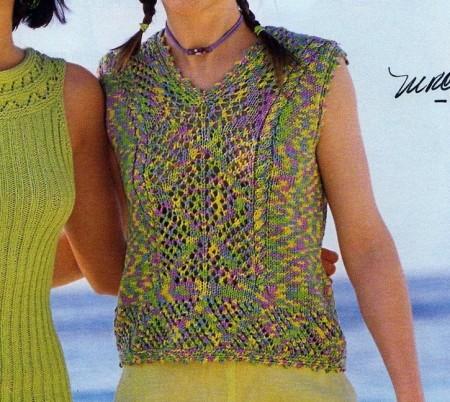 Lavori a maglia per creare una canotta viola e verde melange