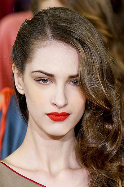 accaonciature capelli lunghi capigliatura semplice