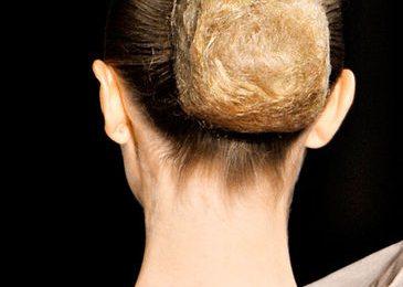 Acconciature capelli, uno chignon stravagante tutto da copiare