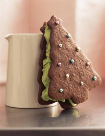 Ricette Capodanno: biscotti al cioccolato con ripieno al pistacchio