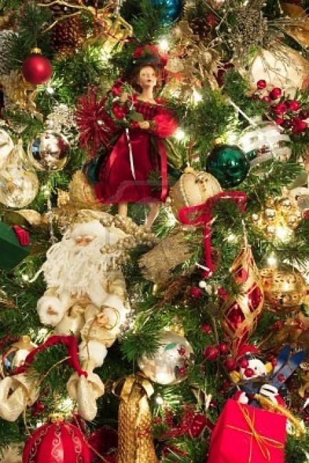 Decorazioni natalizie per i bambini, peluche e bamboline sul nostro albero di Natale 2011