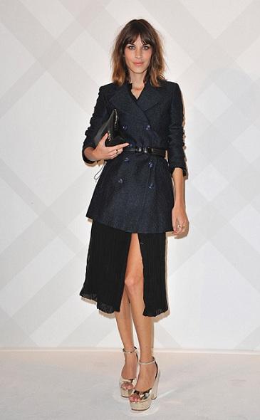 Lo strepitoso look Burberry Prorsum di Alexa Chung, chic e cool