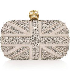 Tra le nuove clutch Alexander McQueen con teschio, il modello Britannia con cristalli