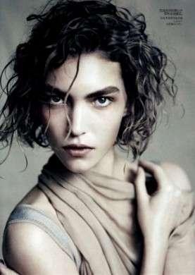 Arizona Muse è la modella dell'anno secondo Vogue US