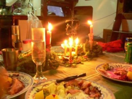 Sale, grassi e calorie in quantità doppie durante il cenone di Natale