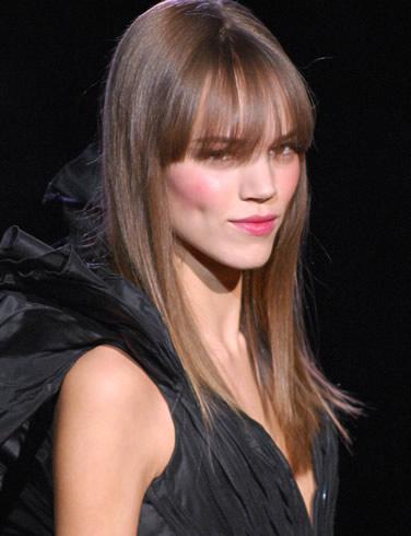 Tinture per capelli addio, oggi il colore si mantiene con i nano-cosmetici