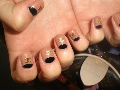 decorazioni unghie nail art chanel