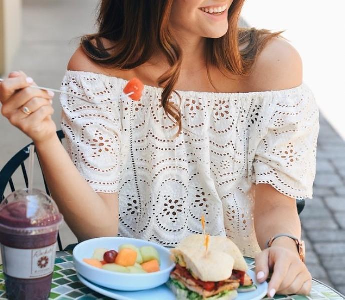 Dimagrire mangiando fuori casa: la pausa pranzo per perdere peso