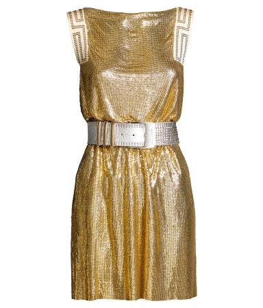 Abiti per Capodanno: il minidress dorato di Versace for H&M con strass