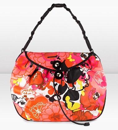 Tra le nuove handbag Jimmy Choo ecco Kyla con stampa tropicale