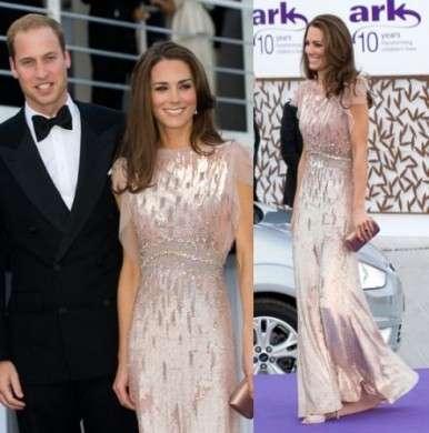 Kate Middleton e il look delle feste: cinque cambi d'abito al giorno per la Duchessa