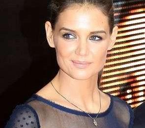 Katie Holmes, copia il suo look raffinato e semplice