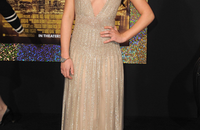 Lea Michele splendida con un abito da sera Valentino e pumps Christian Louboutin