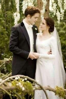 Foto dell'abito da sposa di Bella in Breaking Dawn Part 1, strepitoso e femminile