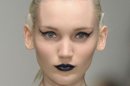 Un make up occhi drammatico per uno sguardo ammaliante