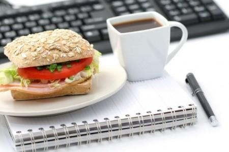 Obesità e diabete: i turnisti sono più a rischio perché mangiano male