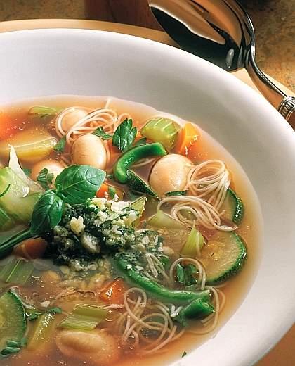 Ricette light con il Bimby: minestrone al pesto
