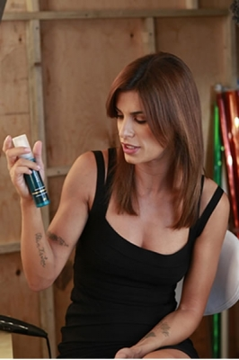 Prodotti capelli, Elisabetta Canalis nuova testimonial Pantene
