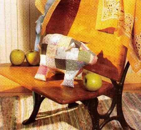 Cucito creativo per creare un maialino in patchwork